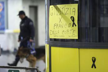 Oggi i funerali del vigilante ucciso dalla baby gang