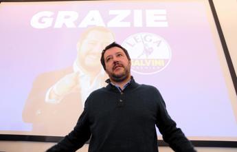 Salvini chiede i voti al Pd per un governo