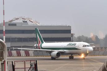 Alitalia, cancellati 130 voli