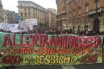 Allerta antifascista in piazza a Roma contro CasaPound
