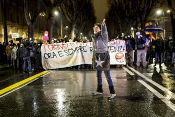 Rischia il licenziamento la prof anti-poliziotti