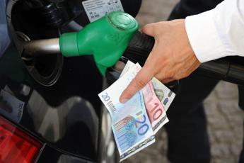 Carburanti, prezzi stabili