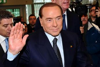 Berlusconi: Distante da Salvini