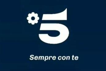 Canale 5 cambia logo