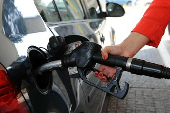 Emendamento governo: ok aumento accise benzina in Liguria