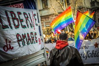 Ragazzo gay colpito a bastonate all'Eur