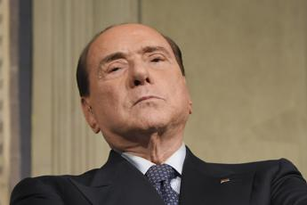 Berlusconi: Colle va rispettato, no a impeachment
