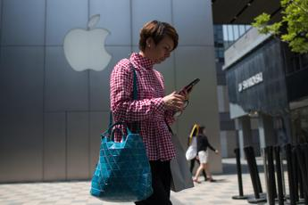 Arriva l'iPhone 'low cost'