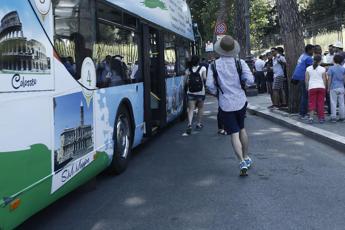 Roma, stop ai bus turistici nel centro storico