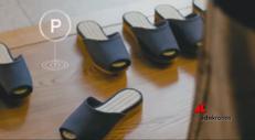 Le pantofole si parcheggiano da sole