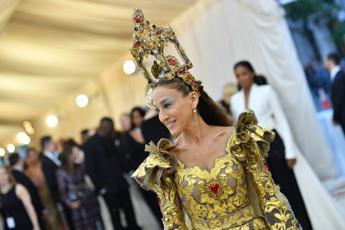 Sante, madonne e cardinali: al Met la moda è sacra