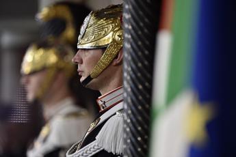 Monito di Mattarella: 'Il presidente non è un notaio'
