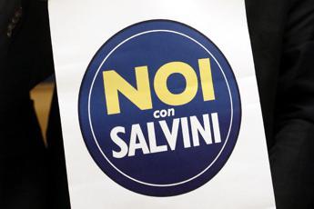 Lega: Berlusconi apra a governo con 5S