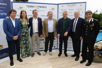Tennis & Friends, vip in campo per la prevenzione