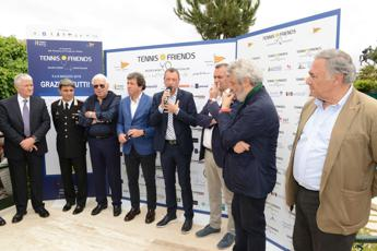 Tennis & Friends, in centinaia a Napoli per i controlli gratuiti
