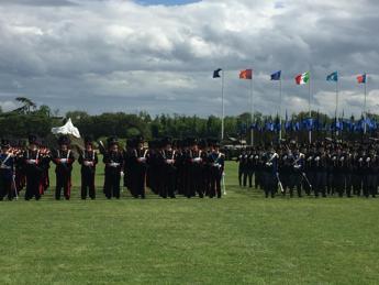 Esercito, Pinotti: forza armata proiettata verso il futuro