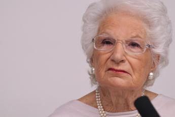 Insulti a Liliana Segre, vergogna social