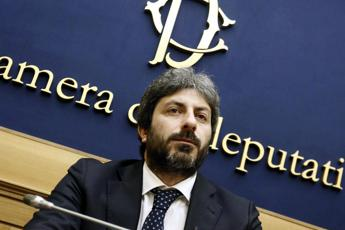 Italy's parliament speaker backs dialogue with Russia