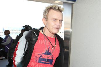 Billy Idol annulla concerto a Padova