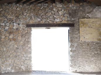 Pompei, si stacca pannello da Casa del Menandro