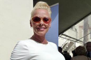 Brigitte Nielsen mamma per la quinta volta a 54 anni