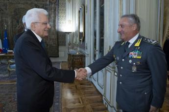 Mattarella riceve il generale Toschi