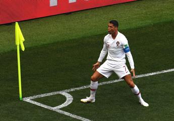 Ronaldo porta in vetta il Portogallo
