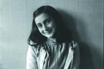 Chi tradì Anna Frank?