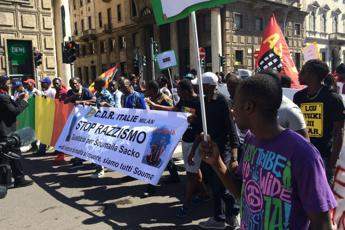 'Giustizia per Sacko', a Milano corteo antirazzista