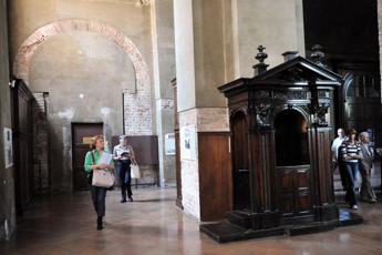 36mila euro in chiesa, il parroco: Forse erano lì da tempo