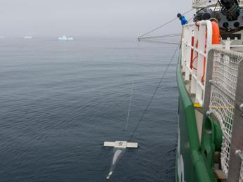 Plastica anche nelle acque 'incontaminate' dell'Antartide