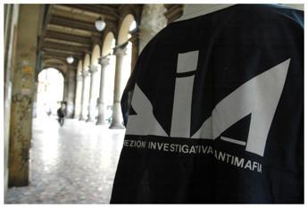 Scoperto comitato d'affari a Messina, politici in manette