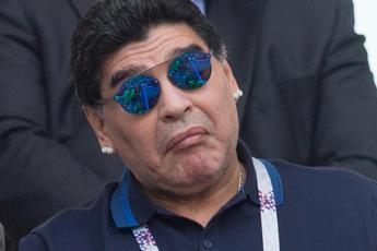 La Fifa bacchetta Maradona
