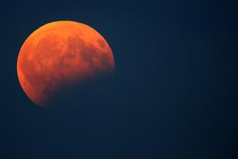Arriva l'eclissi di Luna più lunga del secolo