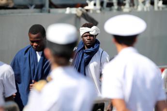 Migranti, è record di permessi d'asilo