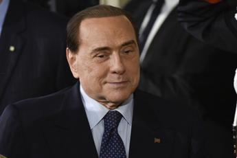 Berlusconi lancia operazione scoiattolo