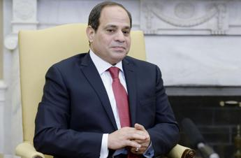 Al-Sisi lauds Eni for completing projects 'in record time'