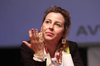 Giulia Grillo apre a localizzatori Gps per autistici