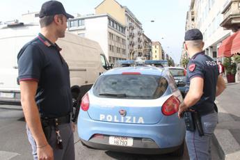 Milano, polizia sgombera stabile occupato dal Lambretta