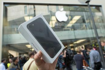 Slitta l'iPhone 'low cost'