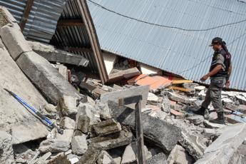 Terremoto Indonesia, 260 escursionisti intrappolati