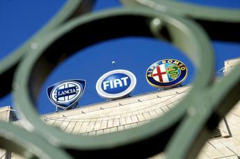 Milano parte debole, ribassi per Ferrari e Fca