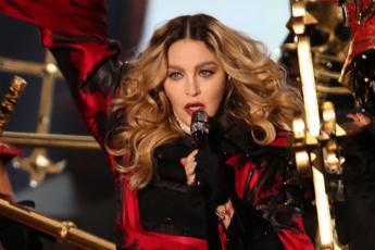 Era ossessionata da me, ex modella accusa Madonna