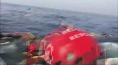 """""""Abbandonata viva in mare"""", la denuncia di Open Arms"""