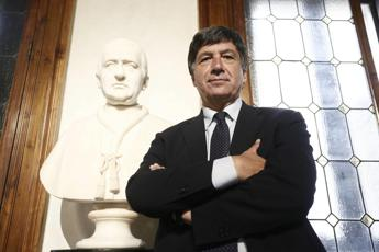Luci a Tempio Adriano, Tagliavanti: Dono a romani e turisti