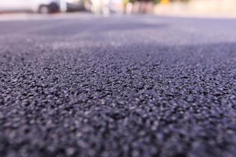 Sicure e silenziose, le strade del futuro da pneumatici fuori uso
