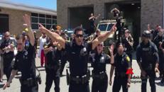 Bruno Mars reinterpretato dalla polizia Usa