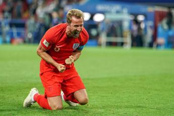 Inghilterra di rigore ai quarti