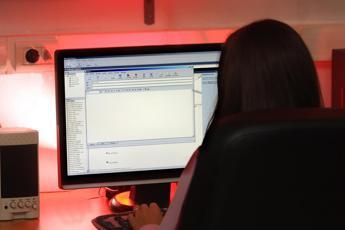 Azienda ai dipendenti: stop e-mail fuori orario e nel weekend