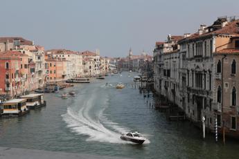 Via grandi navi da Venezia